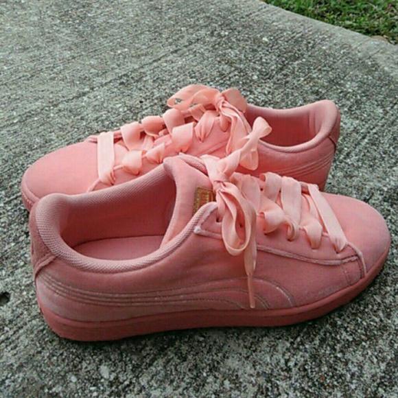 shoes peach color